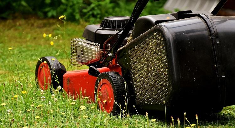 Keep Lawn Mower Blades Sharp